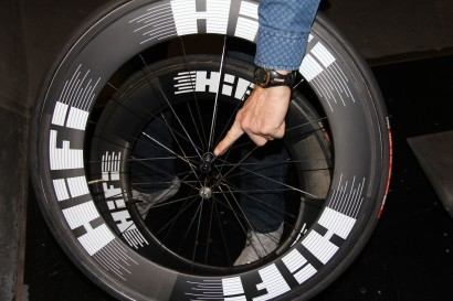 Aerodynamicist Len Brownlie points out one feature that makes the 8-Tracks slippery to the wind: The narrow Fidelity hubs.