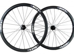 EP Anti-Flutter 38mm Carbon Tubeless Clinchers and Tubulars